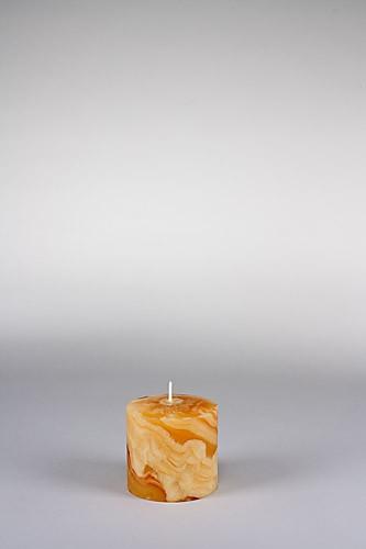 Stumpenkerze, 8 x 8 cm, 100% Bienenwachs, handgeknetet