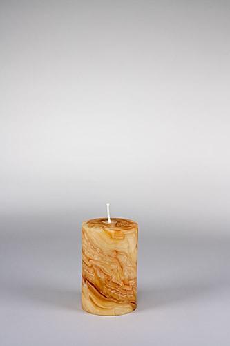 Stumpenkerze, 12,5 x 8 cm, 100% Bienenwachs, handgeknetet