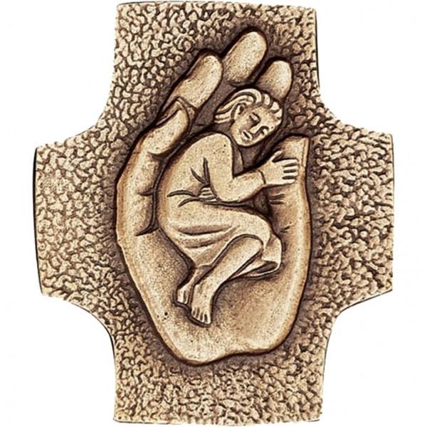 Bronzekreuz, 800216, Kind in einer Hand, 9x7cm