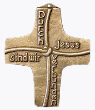Bronzekreuz 142172, h=10cm, Durch Jesus sind wir verbunden