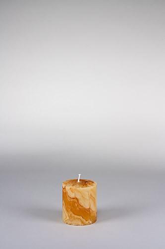 Stumpenkerze, 8 x 7 cm, 100% Bienenwachs, handgeknetet